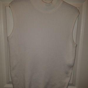 Sleeveless turtleneck sweater size 1X